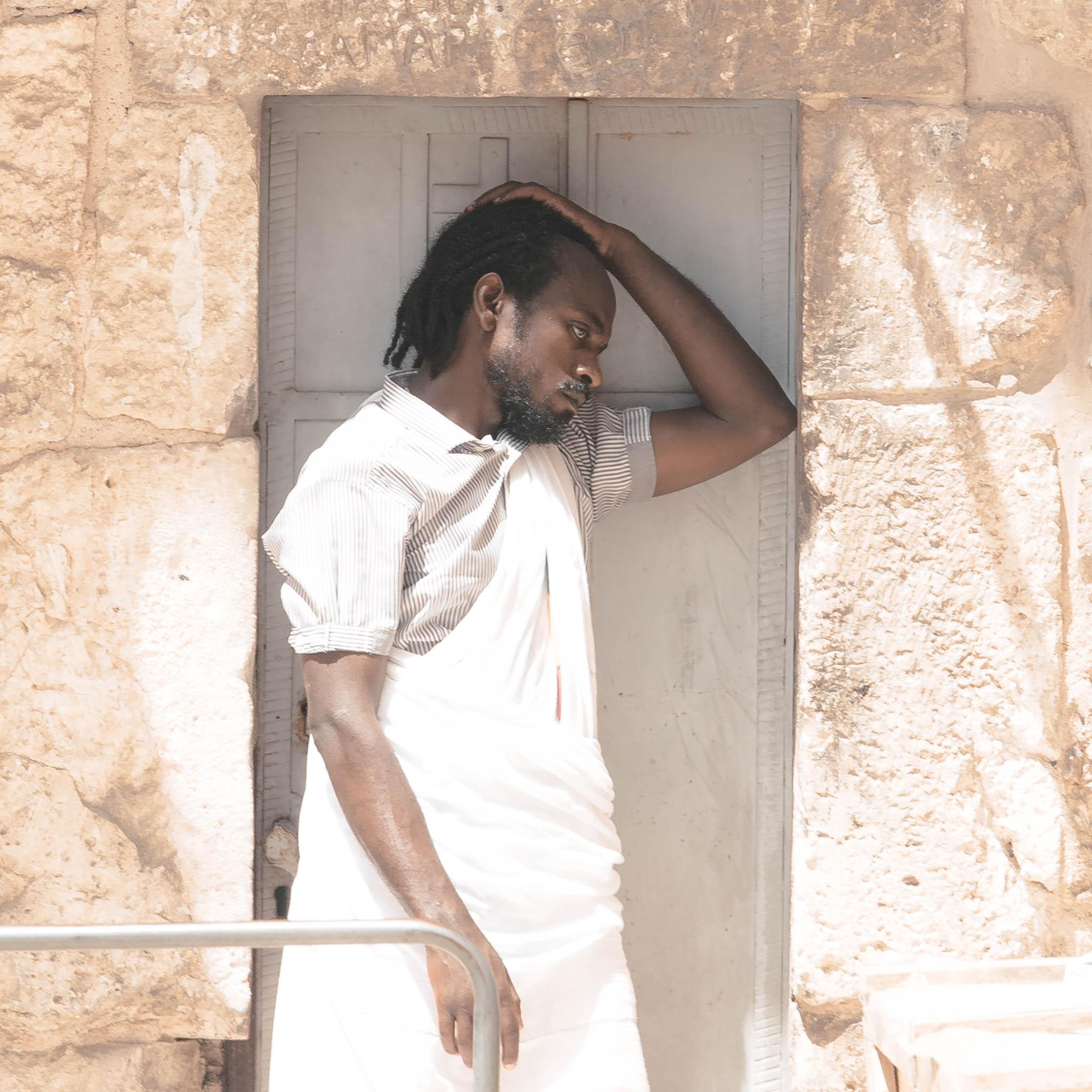 Прихожанин у Храма Гроба Господня, Иерусалим. Страстная пятница