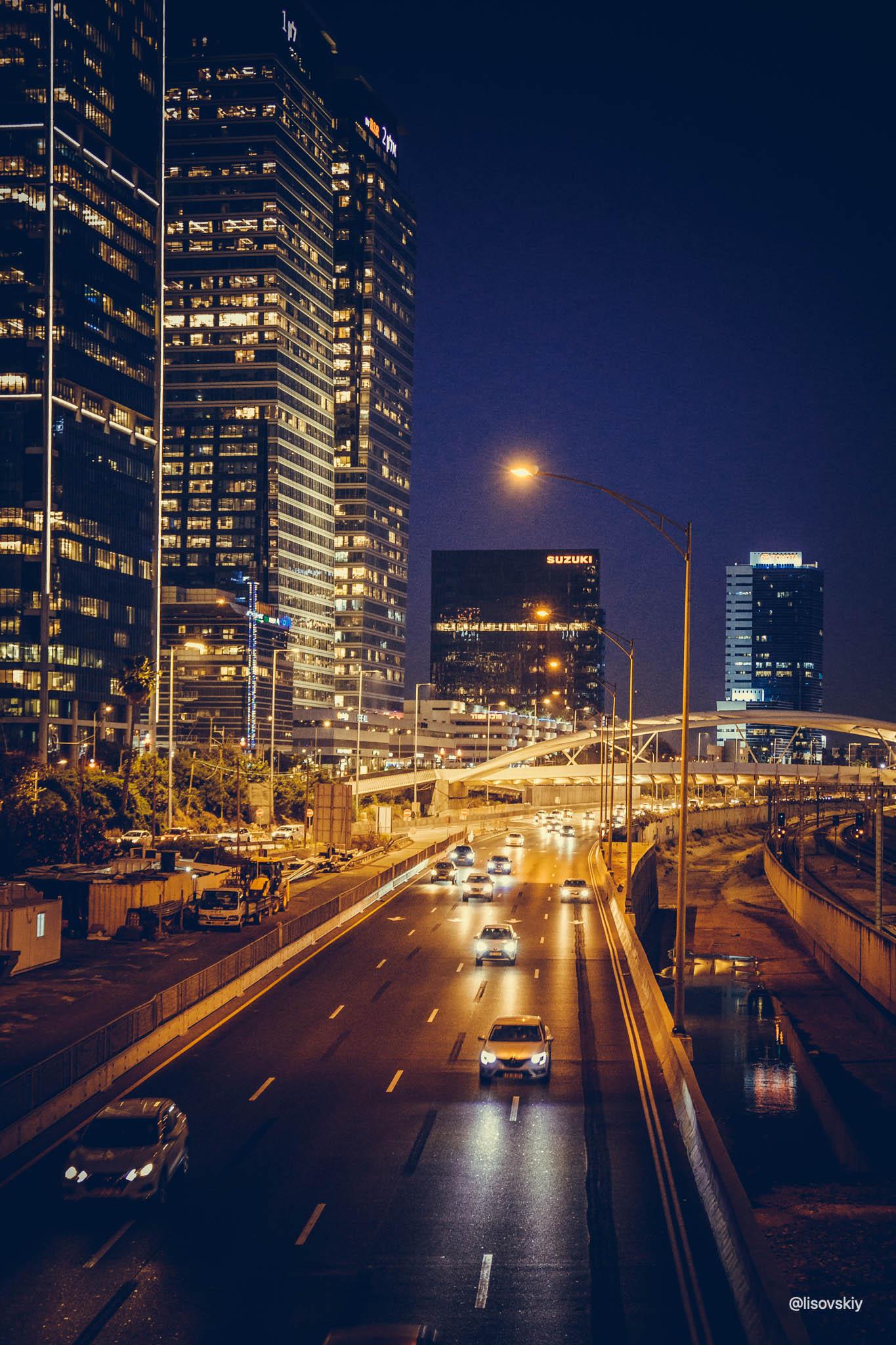Ночной Тель-Авив.