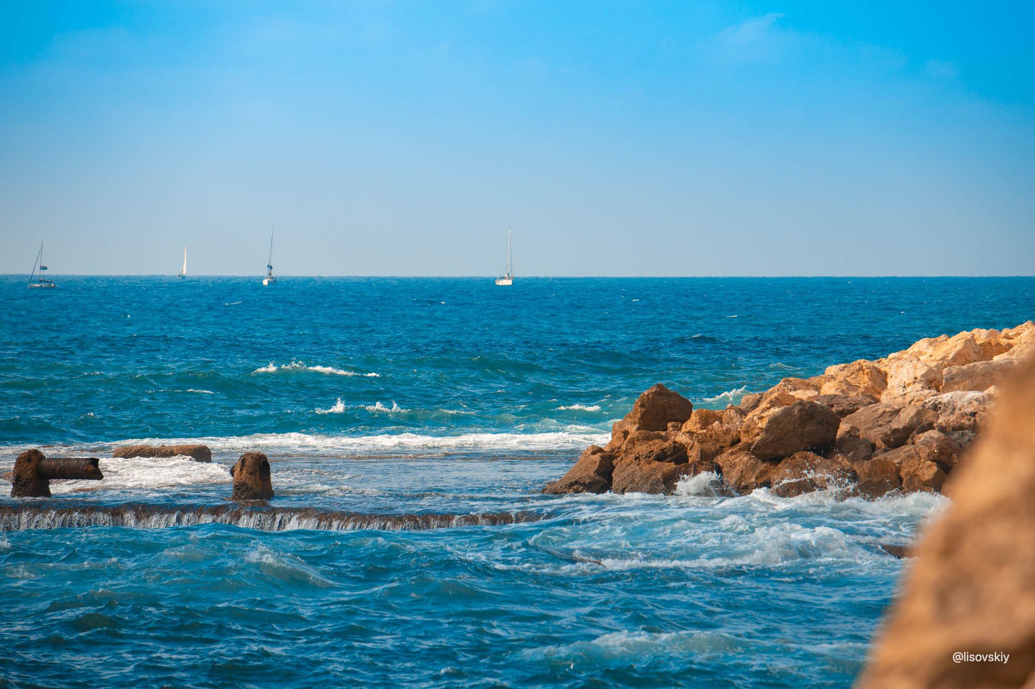 Средиземное море, вид со стороны Яффо, Тель-Авив, Израиль